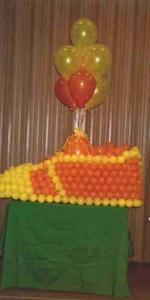 big_shoe_balloon_display