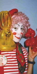 Balloon Twisting Clown
